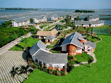 Khu nghỉ dưỡng Abalone trên phá Tam Giang.