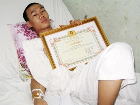 Anh Đỗ Bá Hiền vẫn phải nằm điều trị thêm, dự kiến 2-3 ngày tới anh có thể xuất viện
