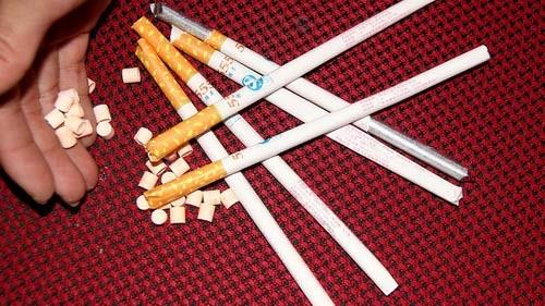kẹo thuốc lá tái xuất gây bức xúc cho phụ huynh học sinh (ảnh minh họa)