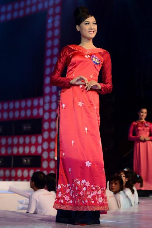 Nữ sinh Luật đăng quang Hoa khôi SV TP.HCM ảnh 3