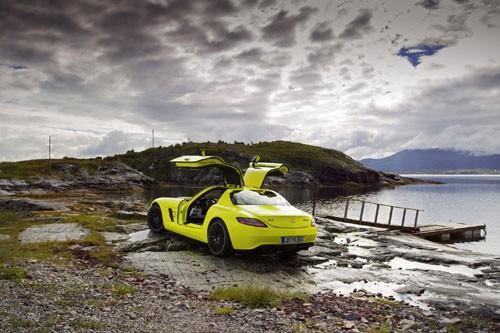 Mercedes-Benz sản xuất SLS AMG E-Cell Prototype ảnh 13