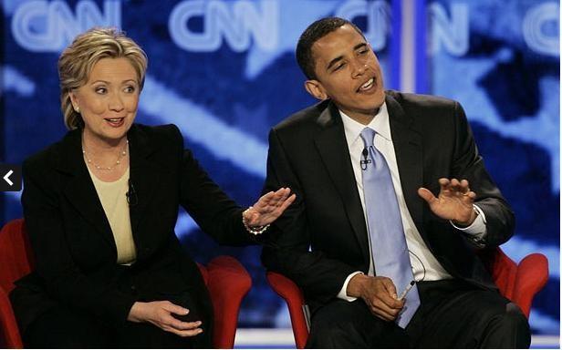 Ngày 3 tháng 7 năm 2007: Thượng nghĩ sĩ Obama cùng bà Hillary Clinton cùng trả lời những câu hỏi tại cuộc tranh luận được tổ chức tại Manchester, New Hampshire