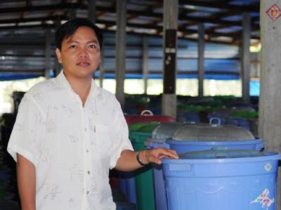 Vua dế Thanh Tùng trong trang trại dế