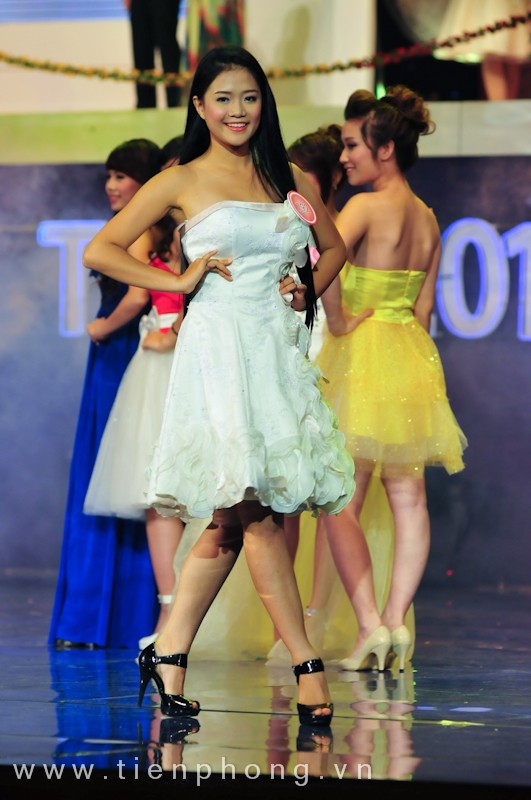 Các Miss teen trong trang phục dạ hội ảnh 6