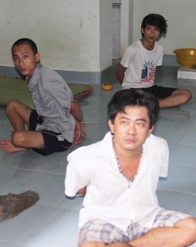 Một số nghi phạm vừa bị bắt giữ - Ảnh: Ngọc Hà