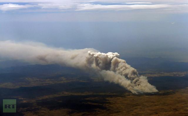 Thời tiết khô hạn kèm theo gió lớn khiến các đám cháy lan rộng