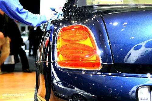 """Bentley mang """"hàng hiệu"""" tới triển lãm Detroit ảnh 7"""