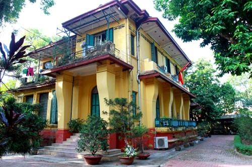 Ngôi nhà số 30 Hoàng Diệu rộng khoảng 200 m2 với sân vườn bao quanh…