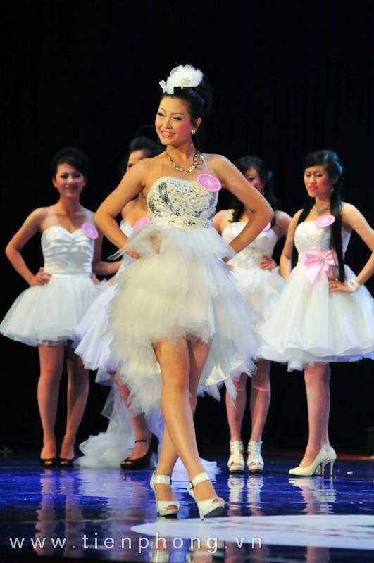 Các Miss teen trong trang phục dạ hội ảnh 1
