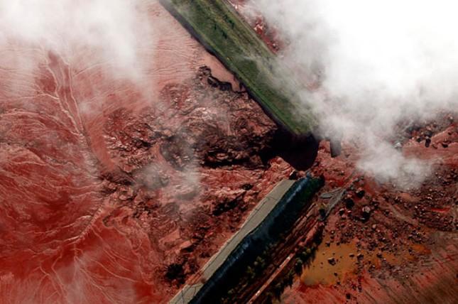 Những thảm họa năm 2010 qua ảnh - tiếp ảnh 12