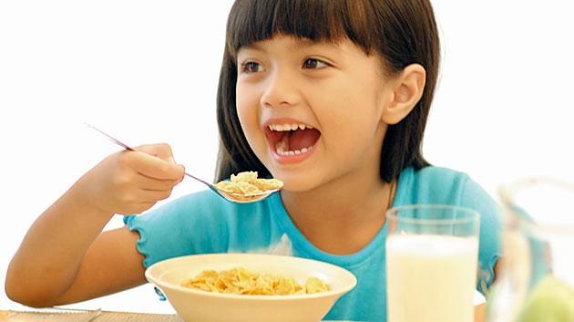 Nếu không đói, bé có thể bỏ qua bữa sáng? ảnh 1