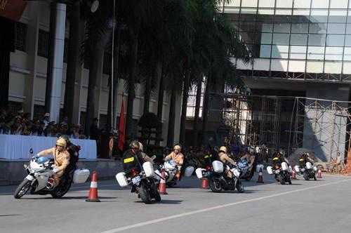 Cảnh sát dự bị đặc nhiệm luyện võ, chống khủng bố ảnh 9