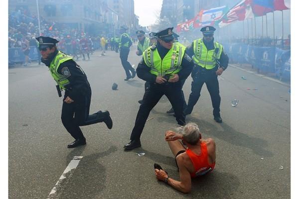 10 bức ảnh ấn tượng 2013: Đau thương và hoang tàn ảnh 1