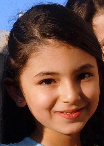 Sẽ không ai còn thấy nụ cười đẹp như thiên thần vậy nữa. Em Line Alfaloudji, 6 tuổi chết vì chiến tranh ở Daraa