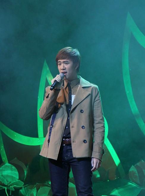 Nam ca sĩ Việt Tiptop