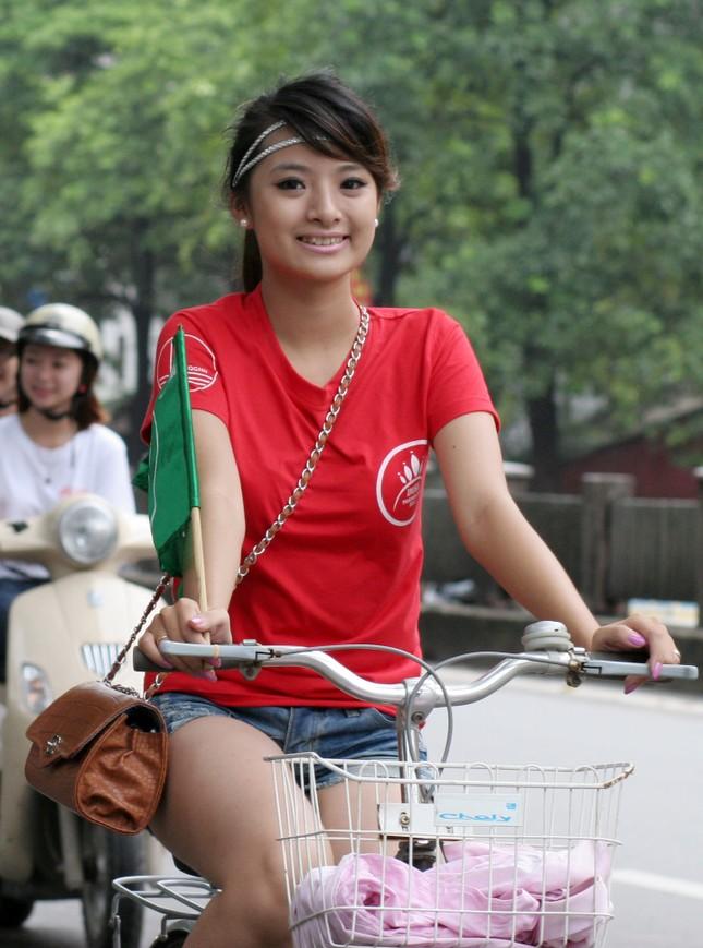Ngắm nữ sinh Imiss Thăng Long đạp xe vì môi trường ảnh 7