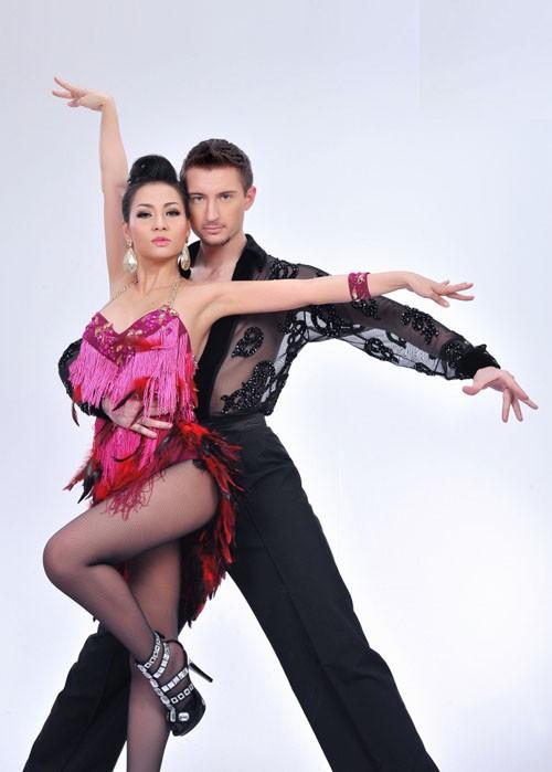 Sao Bước nhảy Hoàn vũ 2011 khoe dáng đẹp ảnh 10