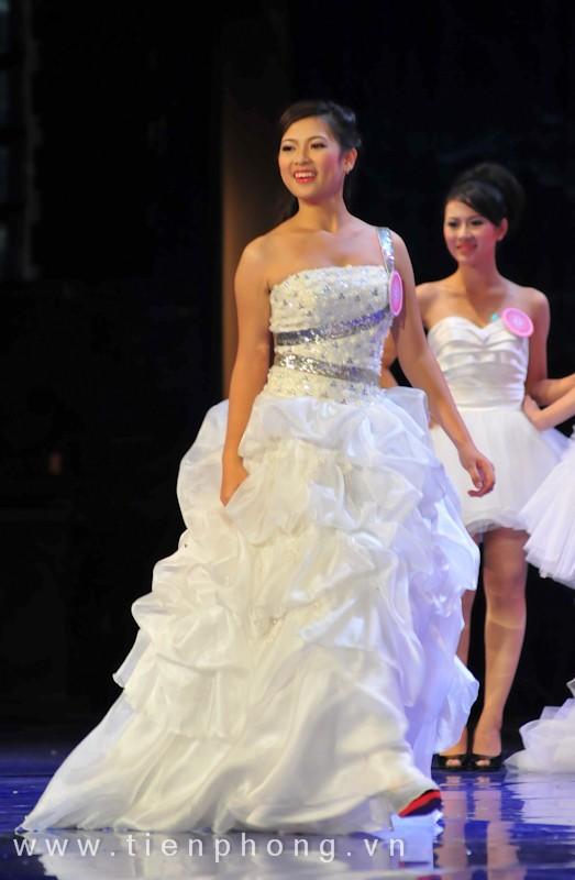 Các Miss teen trong trang phục dạ hội ảnh 10