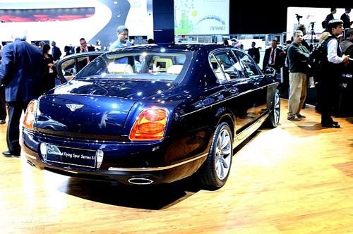 """Bentley mang """"hàng hiệu"""" tới triển lãm Detroit ảnh 9"""