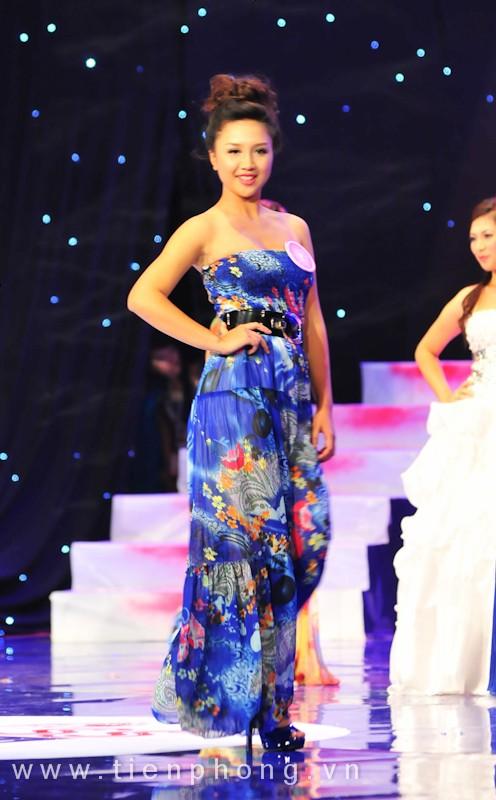 Các Miss teen trong trang phục dạ hội ảnh 9