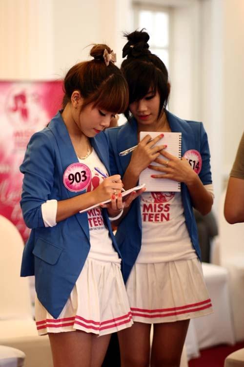 20 Miss Teen học cách làm duyên với đôi tay ảnh 8