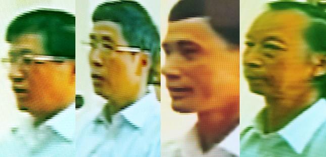 Các bị cáo Lê Văn Hiền, Nguyễn Văn Khanh, Lê Thanh Liêm và Phạm Xuân Hoa trong phiên phúc thẩm sáng nay (1/8)