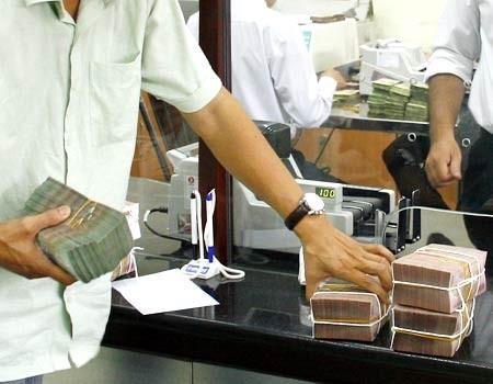 'Nóng' chuyện nợ và an toàn vốn tại các 'đại gia' ngân hàng ảnh 1