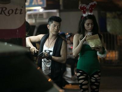 Mỗi khi được hỏi về mối quan hệ tình cảm, Trương Nhi và Lương Bằng Quang đều né tránh câu hỏi từ phía người hâm mộ. Trương Nhi cho biết cô chưa sẵn sàng công khai chuyện tình cảm. Đây là chuyện đời sống riêng tư, cô không muốn bị soi mói hay có những nhận xét không hay, vì thế, khi đã sẵn sàng, cả hai sẽ quyết định ''ra mắt'' người hâm mộ Bài viết: http://news.zing.vn/Truong-Nhi-dien-tat-rach-xuong-pho-cung-ban-trai-post380249.html#category_featured.noibat Nguồn Zing News