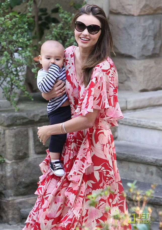 Hai mẹ con Miranda Kerr đẹp tựa thiên thần ở Sydney