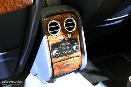 """Bentley mang """"hàng hiệu"""" tới triển lãm Detroit ảnh 10"""