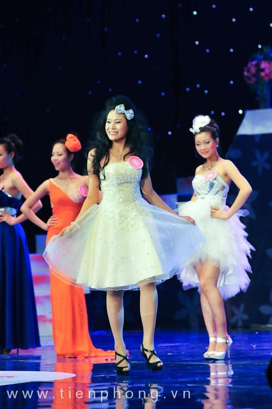 Các Miss teen trong trang phục dạ hội ảnh 11