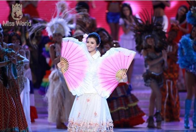 Các thí sinh trong trang phục dân tộc khai mạc Miss World 2010 ảnh 9