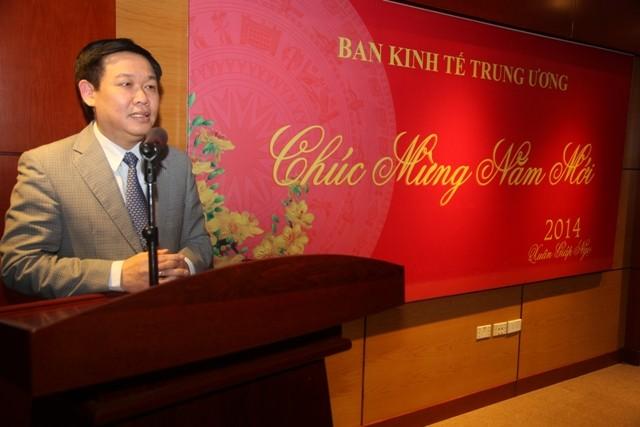 Đồng chí Vương Đình Huệ phát biểu tại buổi lễ