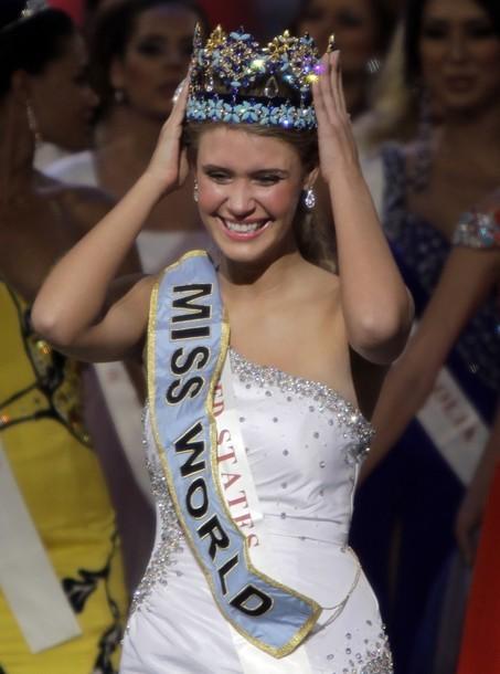 Giây phút đăng quang của Tân hoa hậu Thế giới ảnh 8