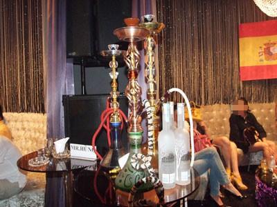 Theo tiết lộ của dân chơi shisha chuyên nghiệp, giá gốc của 1 gói shisha loại xịn dao động từ 150.000 - 350.000 đồng