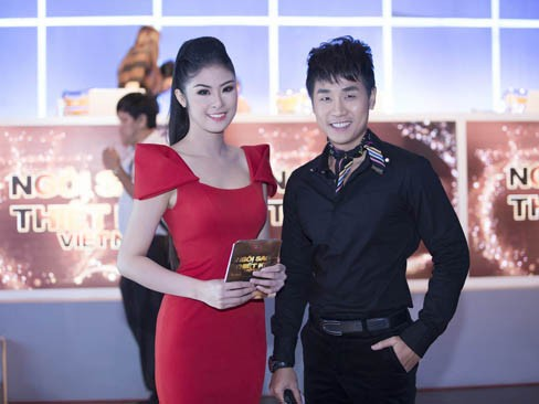 Ngọc Hân và MC Nguyên Khang