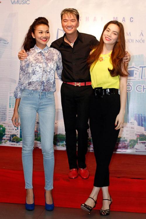Mr.Đàm chỉ có thể cao hơn hai mỹ nhân Hà Hồ và Thanh Hằng khi đứng trên một chiếc bục cực cao