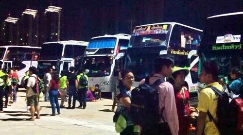 Các thành viên trong đoàn bị bỏ rơi ở Bangkok - Ảnh: thành viên trong đoàn cung cấp