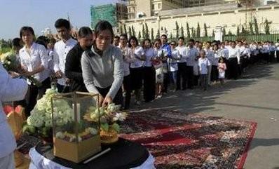 Bùi ngùi lễ tưởng niệm nạn nhân chết vì giẫm đạp ảnh 1