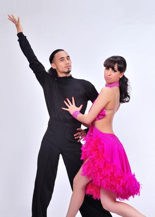 Sao Bước nhảy Hoàn vũ 2011 khoe dáng đẹp ảnh 7