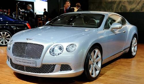 Bentley Continental GT có khả năng tăng tốc từ 0-96km/h sau 4,6 giây, tốc độ tối đa đạt 317km/h