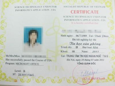 Chỉ với 80k, sau một ngày, phóng viên đã có được chứng chỉ Tin học văn phòng trình độ B do UIA cấp