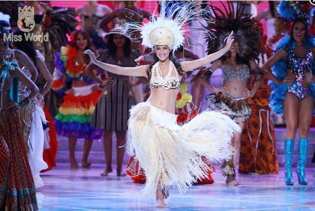 Các thí sinh trong trang phục dân tộc khai mạc Miss World 2010 ảnh 7