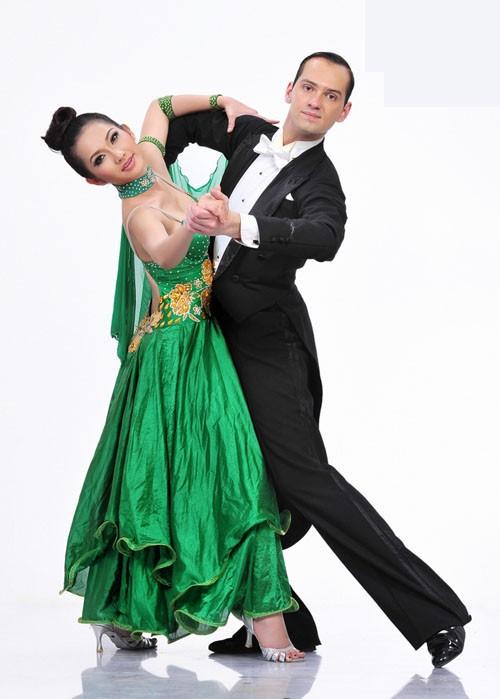Sao Bước nhảy Hoàn vũ 2011 khoe dáng đẹp ảnh 5