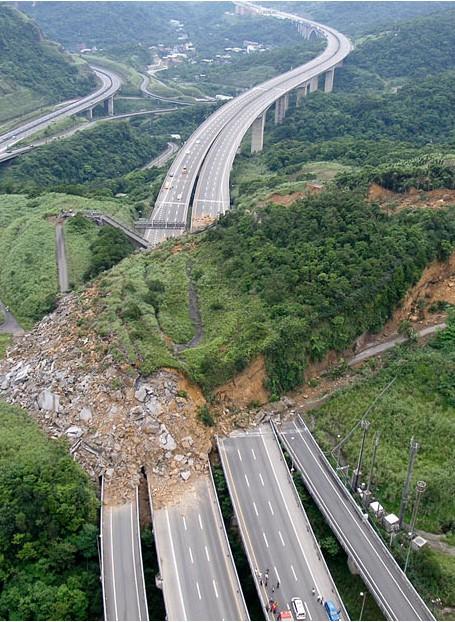 Những thảm họa năm 2010 qua ảnh - tiếp ảnh 2