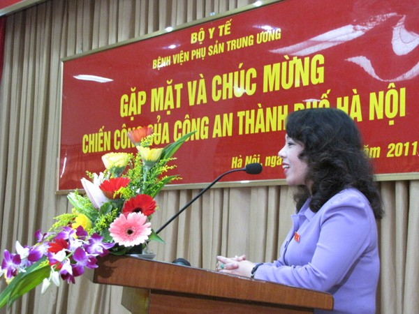 Bộ Trưởng Bộ Y tế - Bà Nguyễn Thị Kim Tiến phát biểu trong cuộc gặp. Ảnh: Lãng Phong