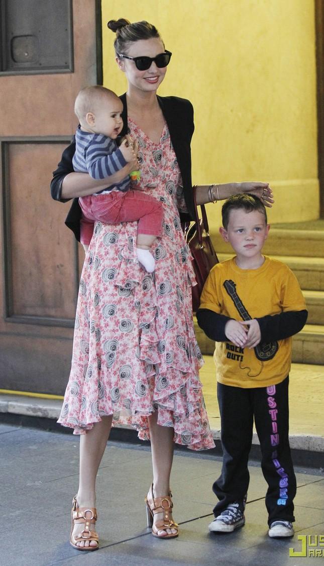 Miranda Kerr: Cho con bú vẫn đẹp như thiên thần ảnh 6