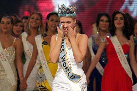 Giây phút đăng quang của Tân hoa hậu Thế giới ảnh 6