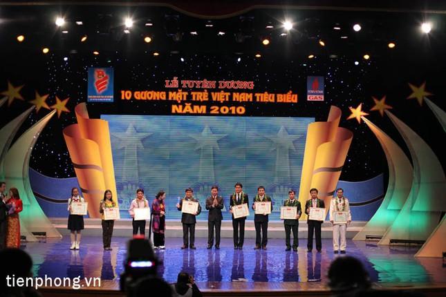 Vinh danh 10 gương mặt trẻ tiêu biểu Việt Nam 2010 ảnh 5