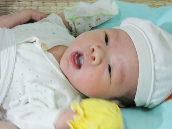 Hôm nay, 14 - 11, cháu Phạm Xuân Trường sẽ xuất viện, về quê. Ảnh chụp cháu Trường ngày 9 - 11. Ảnh: Lãng Phong